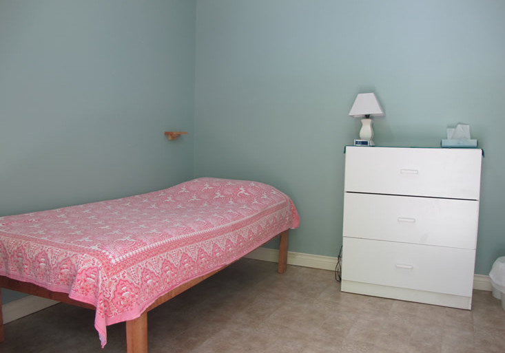 Single room in the women's cabin